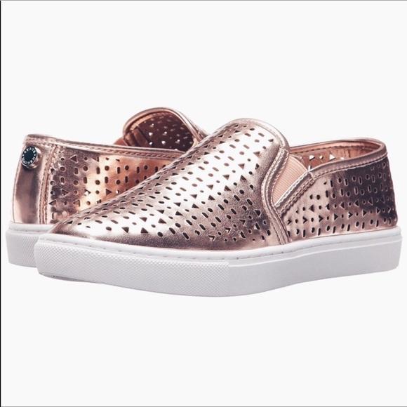 323df177701 🎁NWT Rose Gold Steve Madden Zeena Slip-on Sneaker
